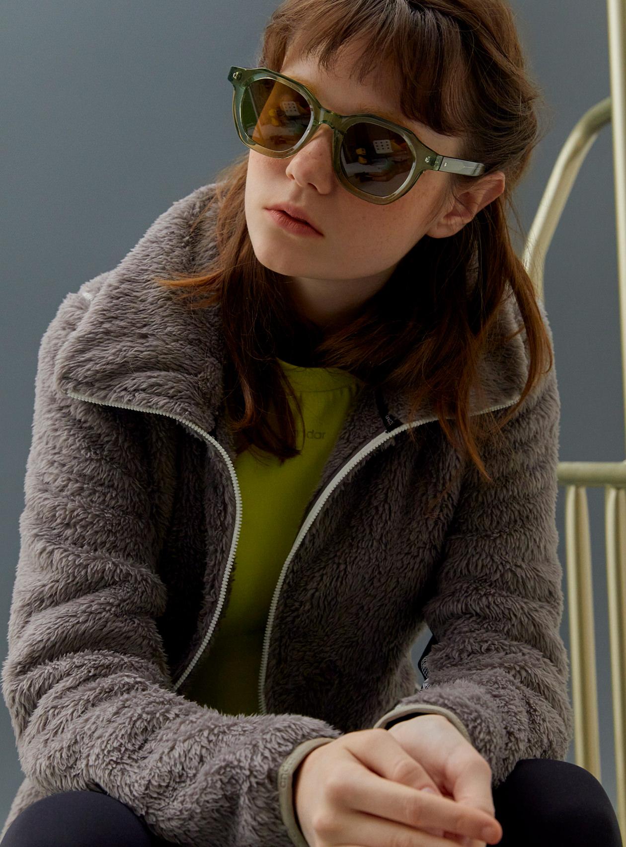 보아플리스 하이넥 집업 재킷